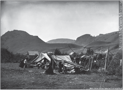 Campement indien, Rivière North Thompson, CB, 1871