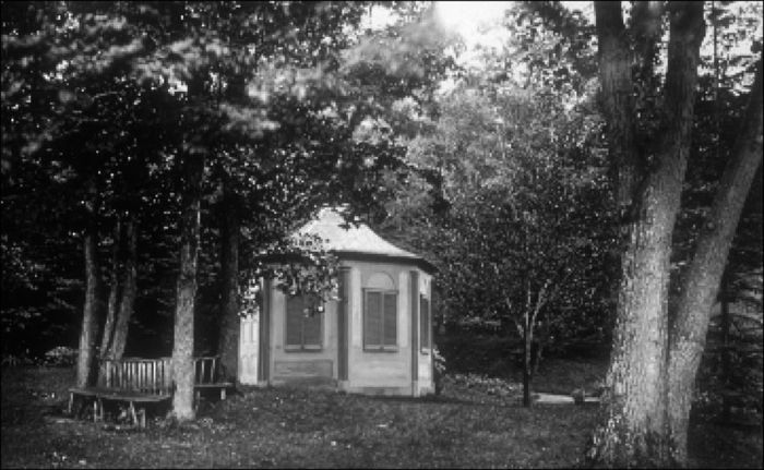 Summer house at Temple Grove, 1872, by Henderson (MP 33.5)