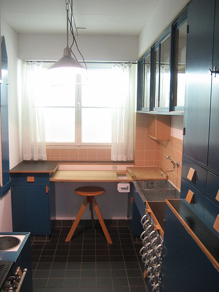 Reconstruction of a Frankfurt kitchen in the MAK Vienna.
