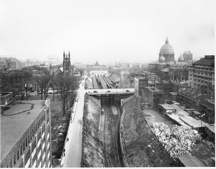 Looking south, Canadian National Railway pit, near Dorchester Street, Montreal, 1930